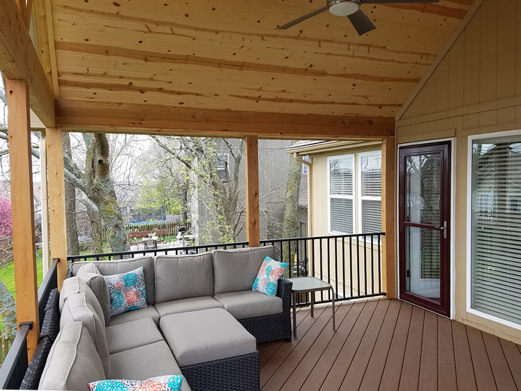 how much does it cost to build a Lee's Summit porch?