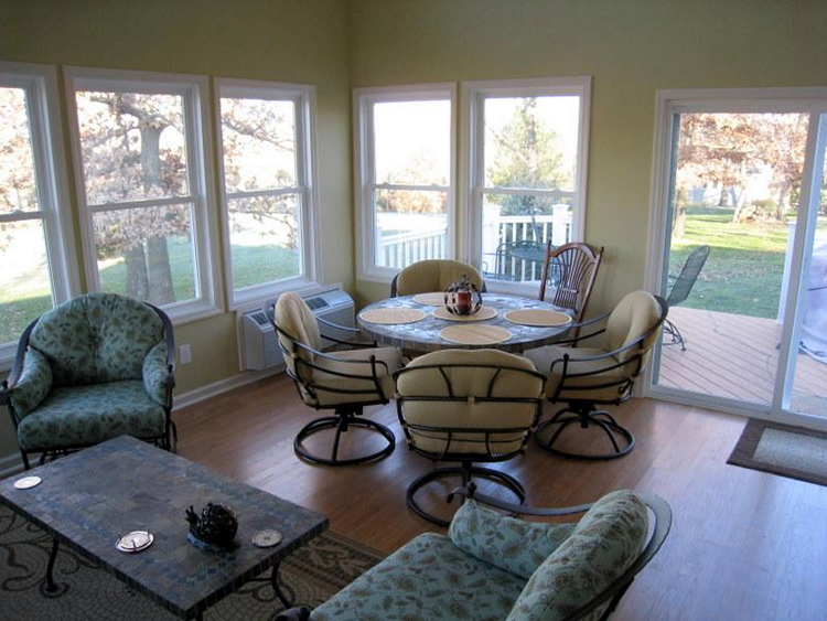 how much does it cost to build a sunroom?