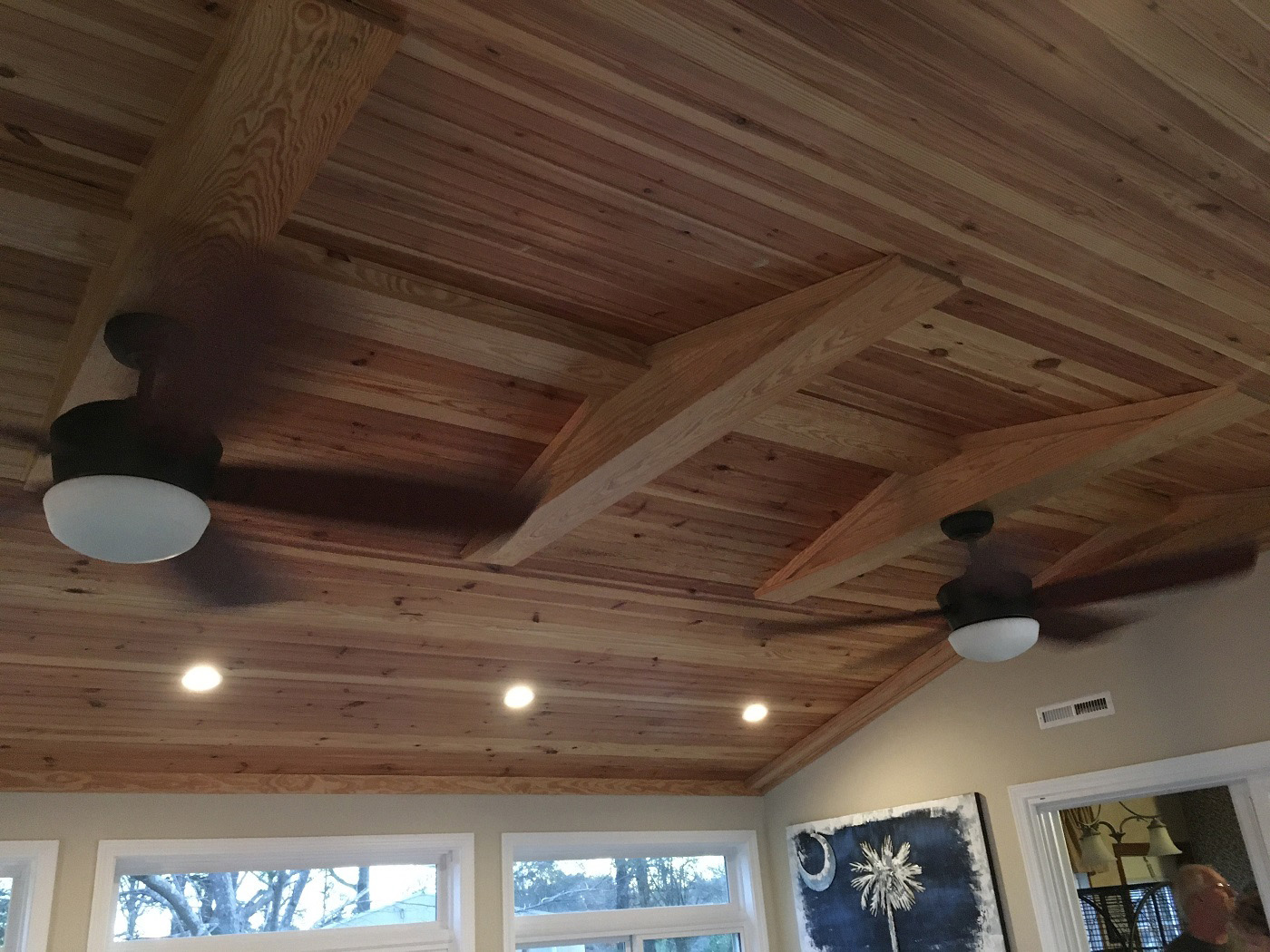 Beautiful-rustic-ceiling-finish-within-the-sunroom-interior