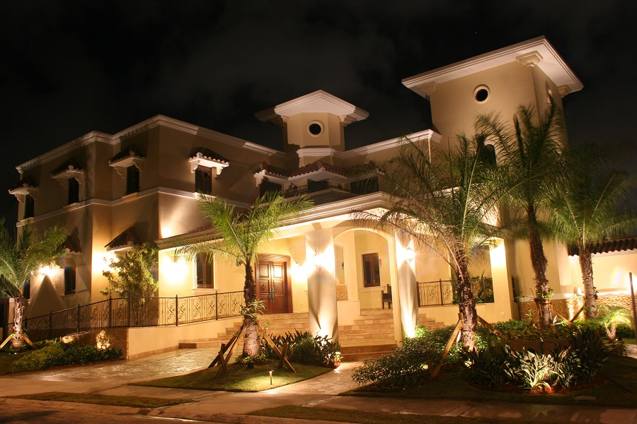 We-are-your-residential-outdoor-lighting-experts