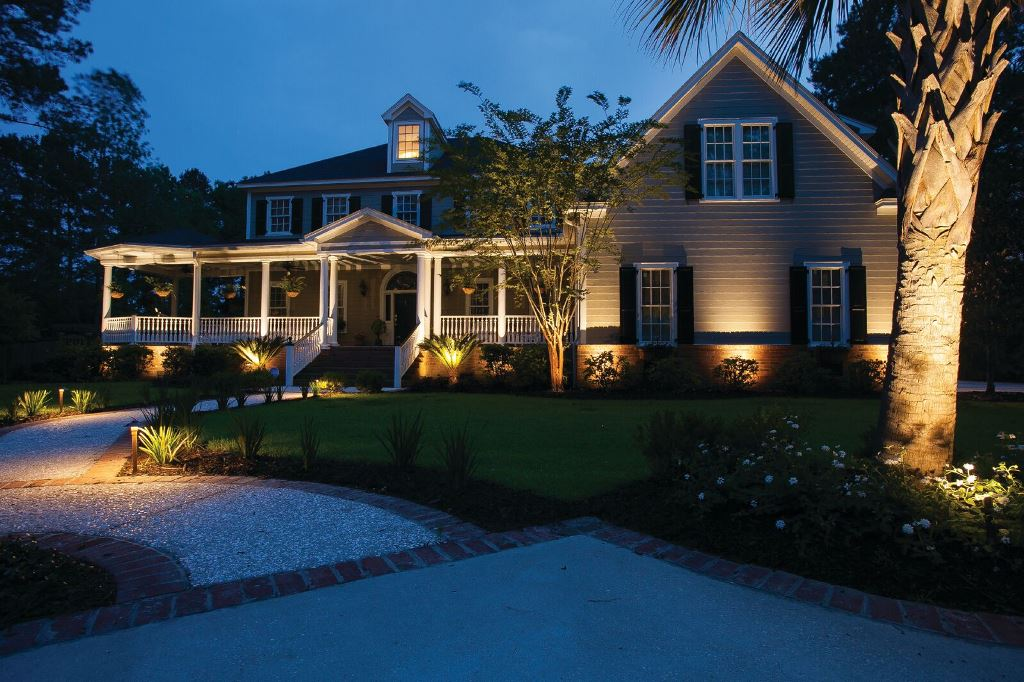 Controlling-your-outdoor-lighting-should-center-on-convenience-and-consistency