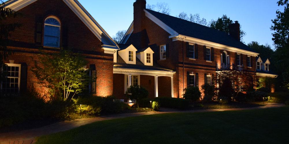 lansdcape lighting installer North Royalton Ohio