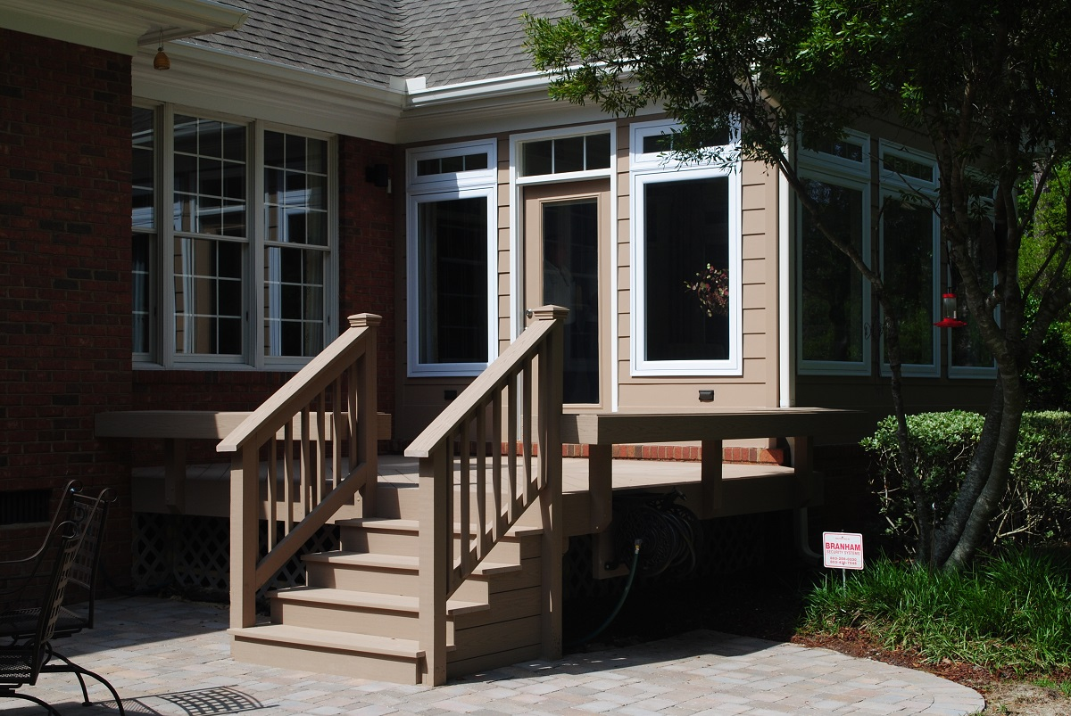 Archadeck-accommodates-your-specific-needs-when-it-comes-to-the-type-of-doors-that-best-suit-your-new-sunroom-addition