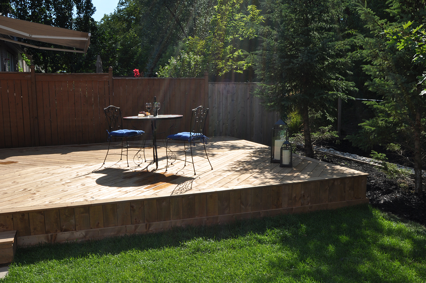 Low-to-grade wood deck in Oakville ON Bronte Creek   Archadeck ... on