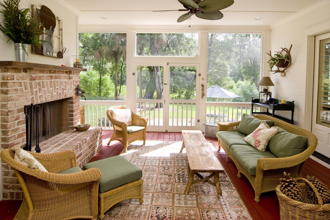 Welcoming-screened-porch