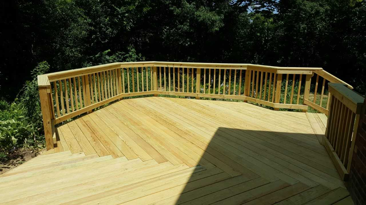 New-wooden-deck-in-Washington-Township-OH