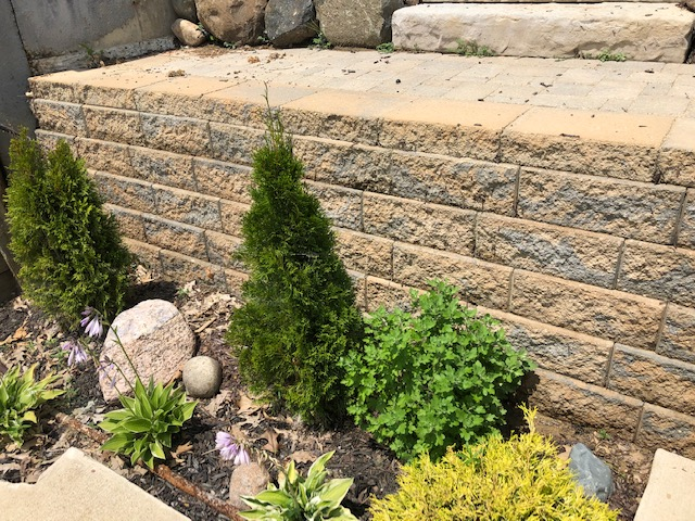 Belgard-custom-hardcape-retaining-wall-built-previously-by-Archadeck-of-Fort-Wayne