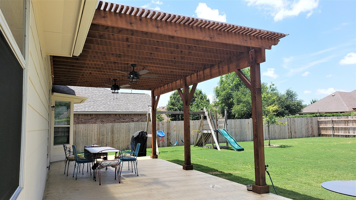 Round-Rock-TX-patio-and-pergola-combination-space-by-Archadeck-of-Austin