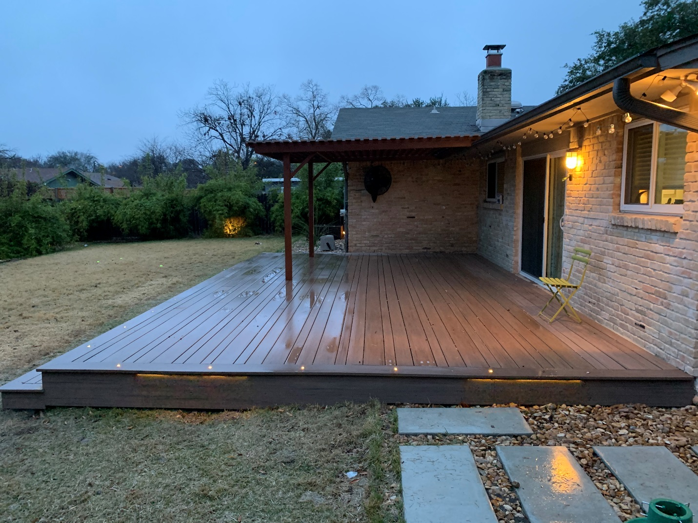 We-used-AZEK's-exclusive-multi-width-decking-to-create-a-unique-aethetic
