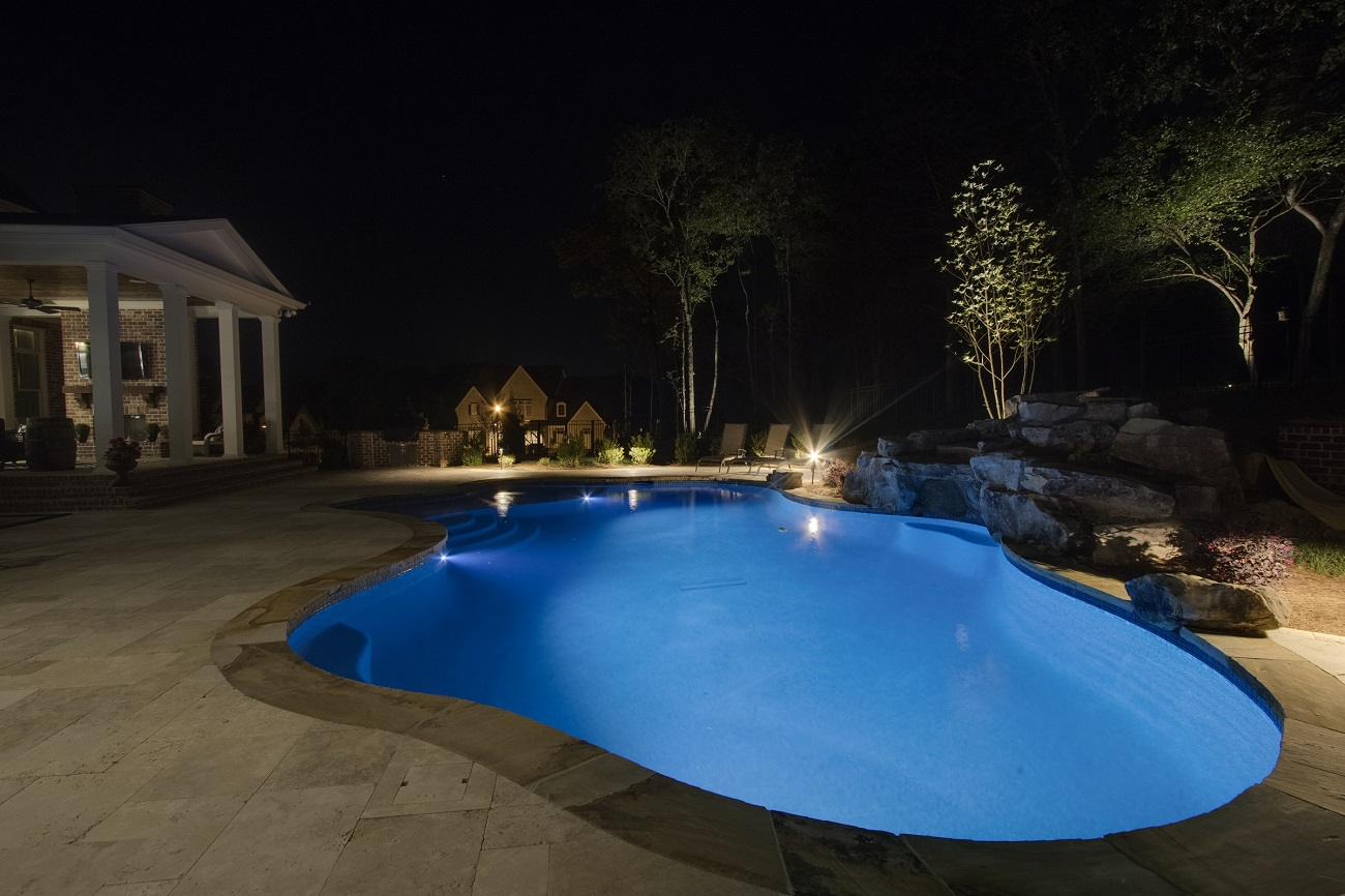 Endless-evening-swims-abound-in-your-new-home-with-Nashville-water-feature-lighting