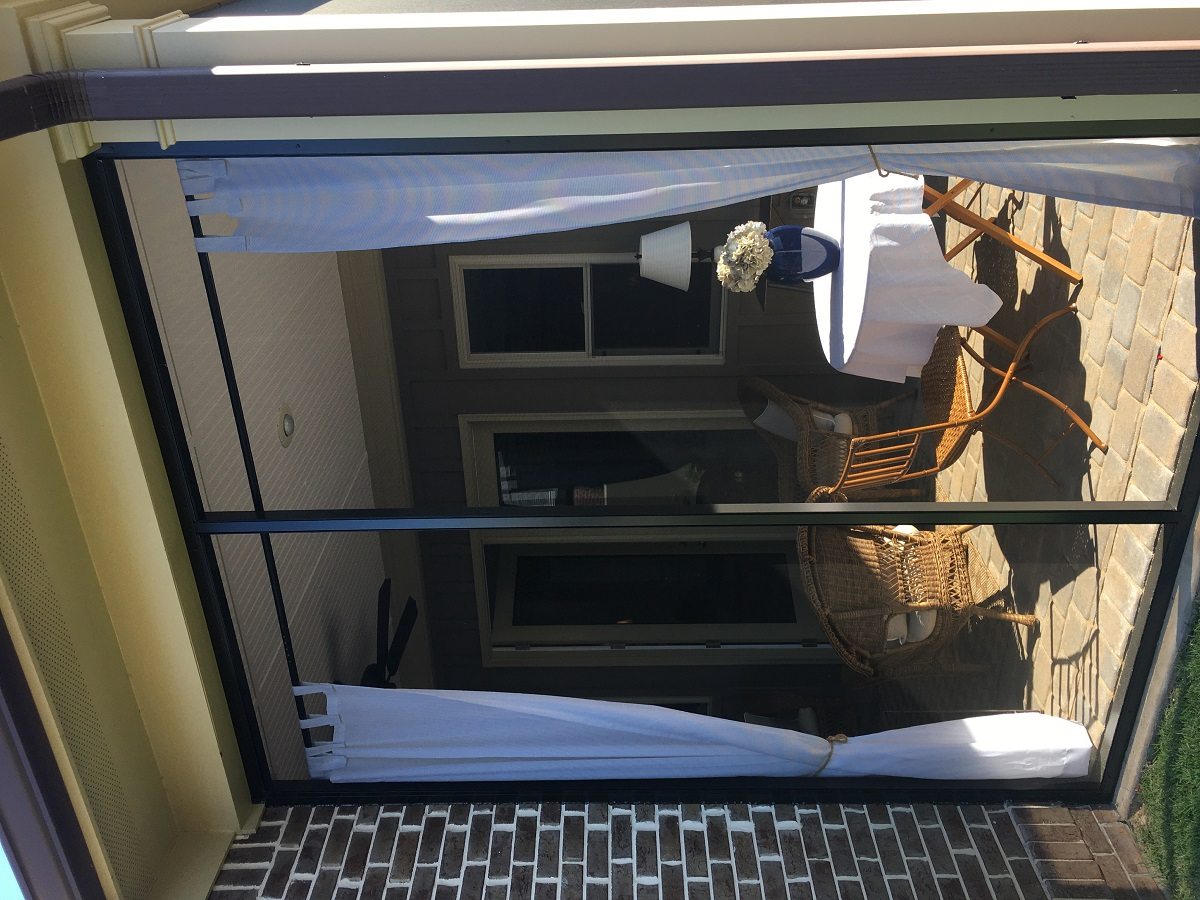 The-homeowners-love-the-protection-the-screens-provide