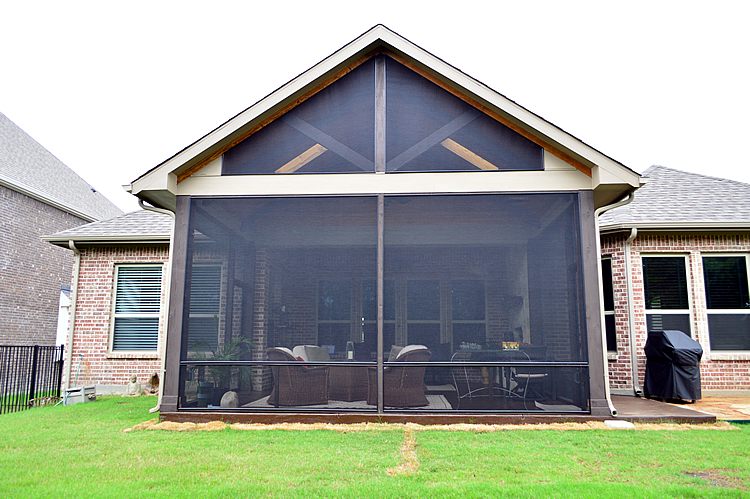 Screened-patio-in-Heath-TX