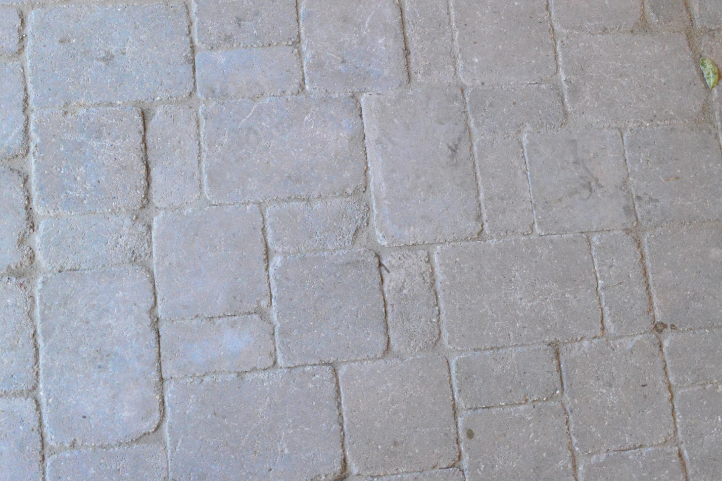Details-of-Dublin-3-part-paver-system-we-used-on-this-project
