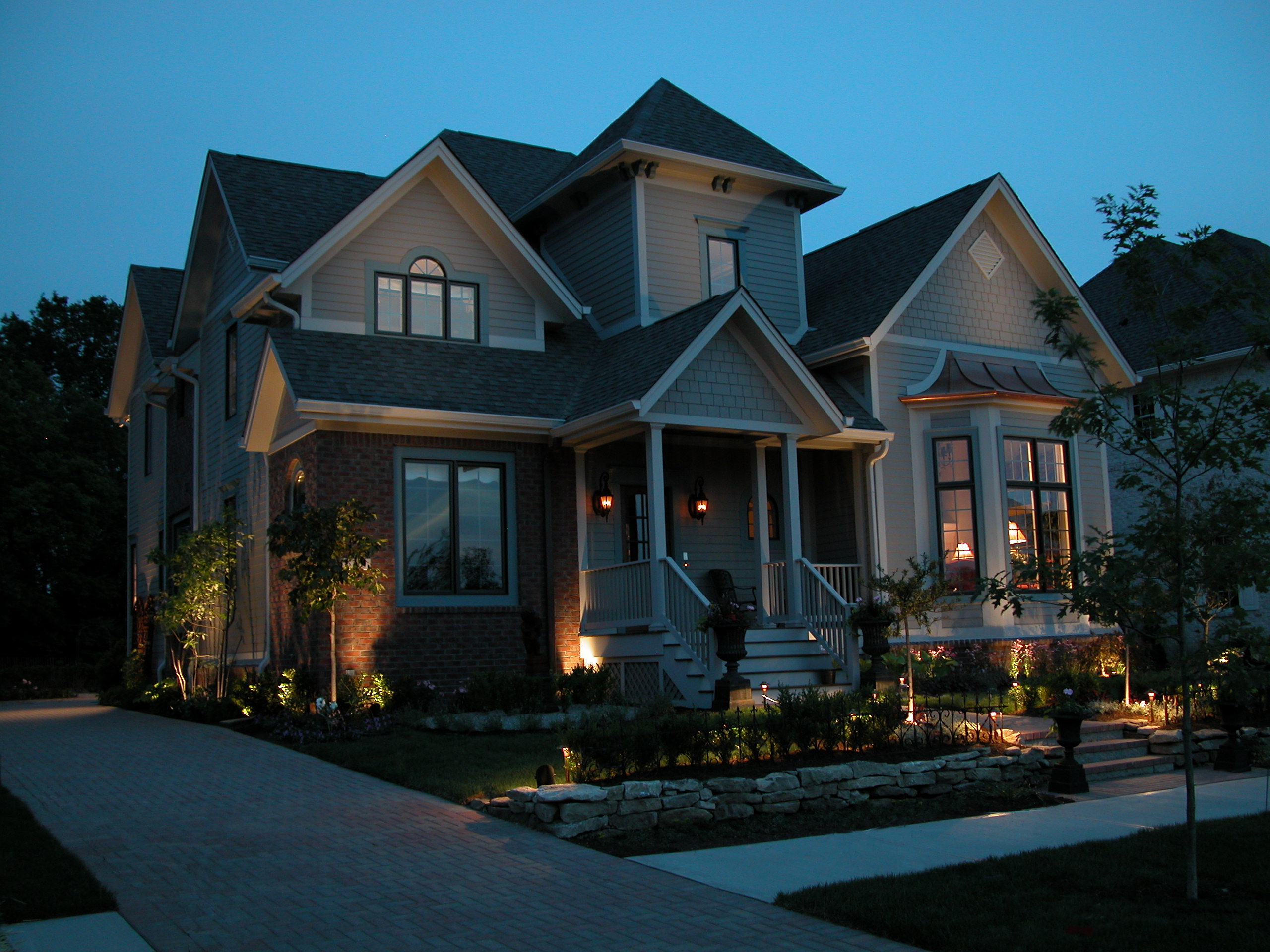 LED Outdoor Lighting: Save Green by Being Green | Outdoor Lighting ...