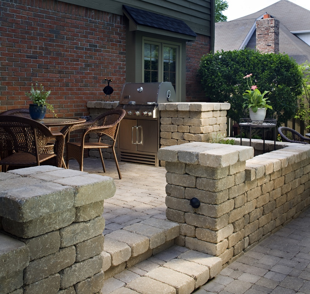 Stunning-paver-patio-with-multi-level-retaining-wall