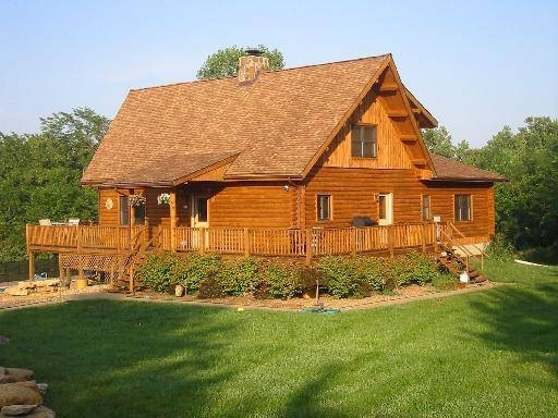 Log Home Cleaning and Protecting