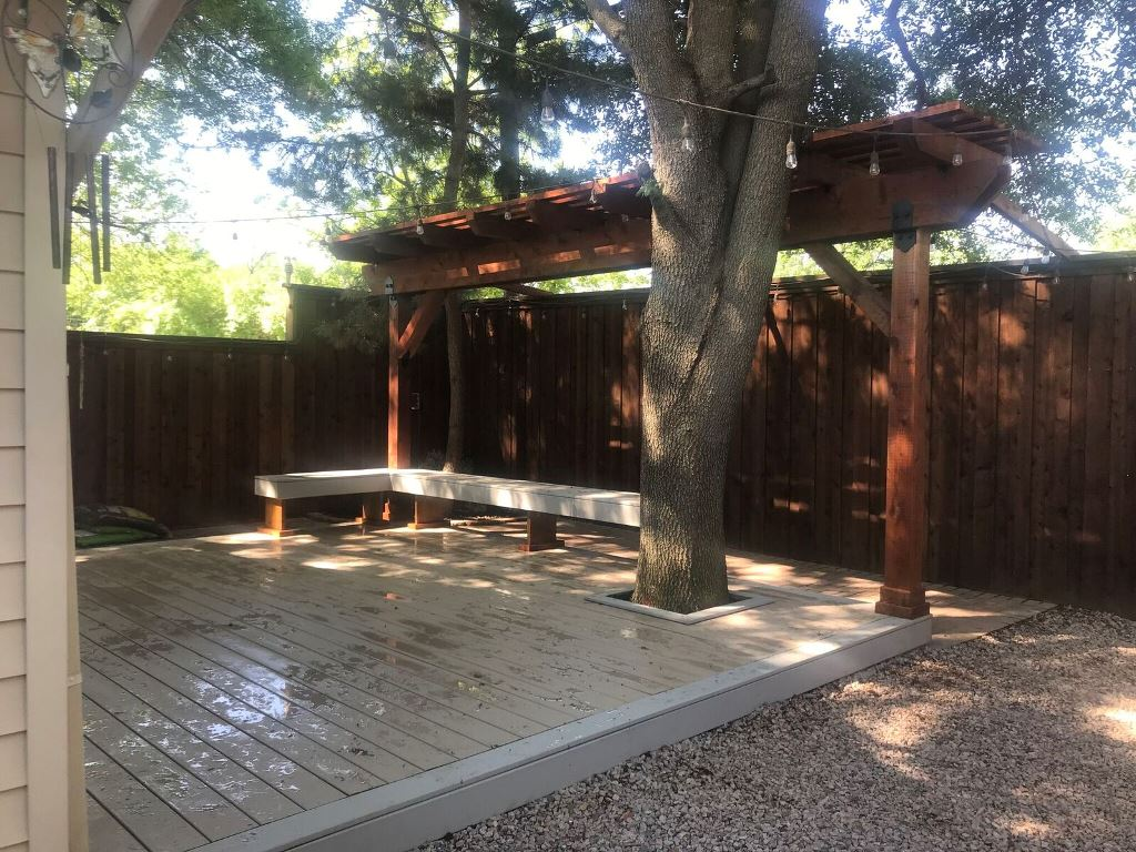 New-deck-and-pergola-in-Irving-TX