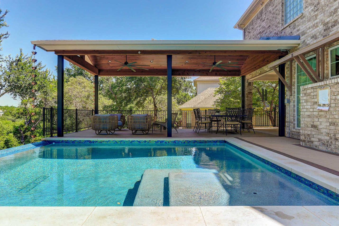 Award-winning-outdoor-living-combination-by-Archadeck-of-Austin