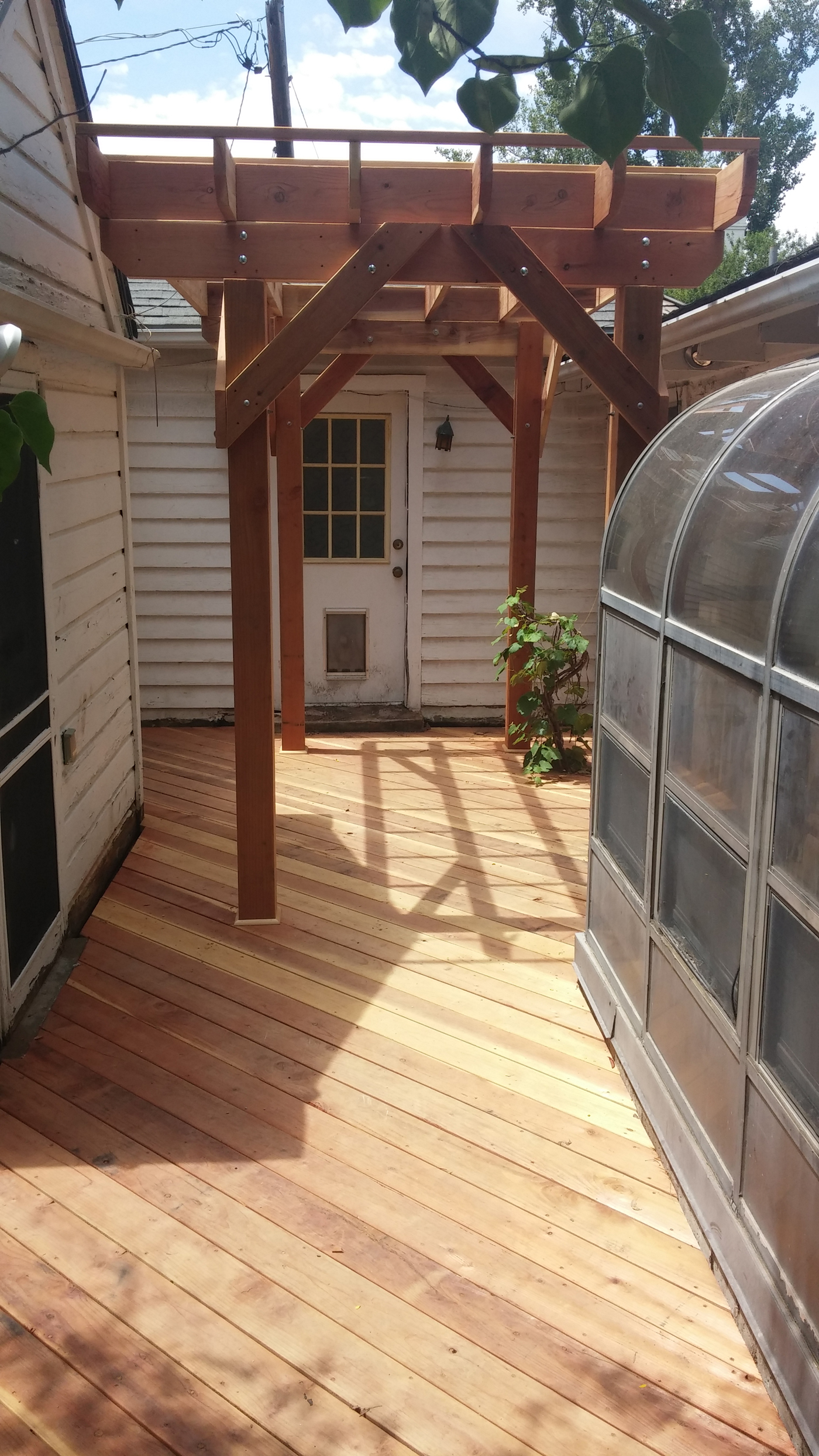20 Timber Decking Designs That Can Append Beauty Of Your: Salt Lake Wood Decking Is A Classic Choice With Many