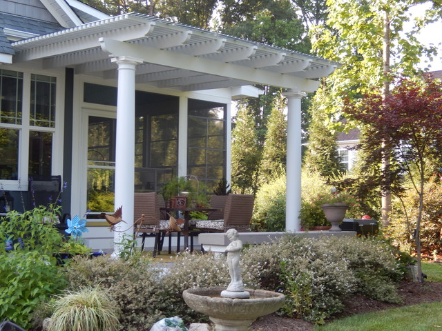 Stunning-pergola-with-polycarbonate-added-for-shade-and-weather-protection