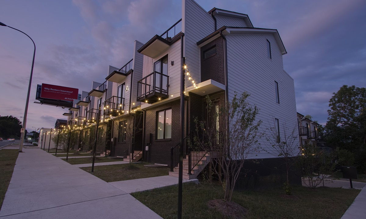 Improvements-from-the-balcony-and-beyond-with-Nashville-outdoor-lighting