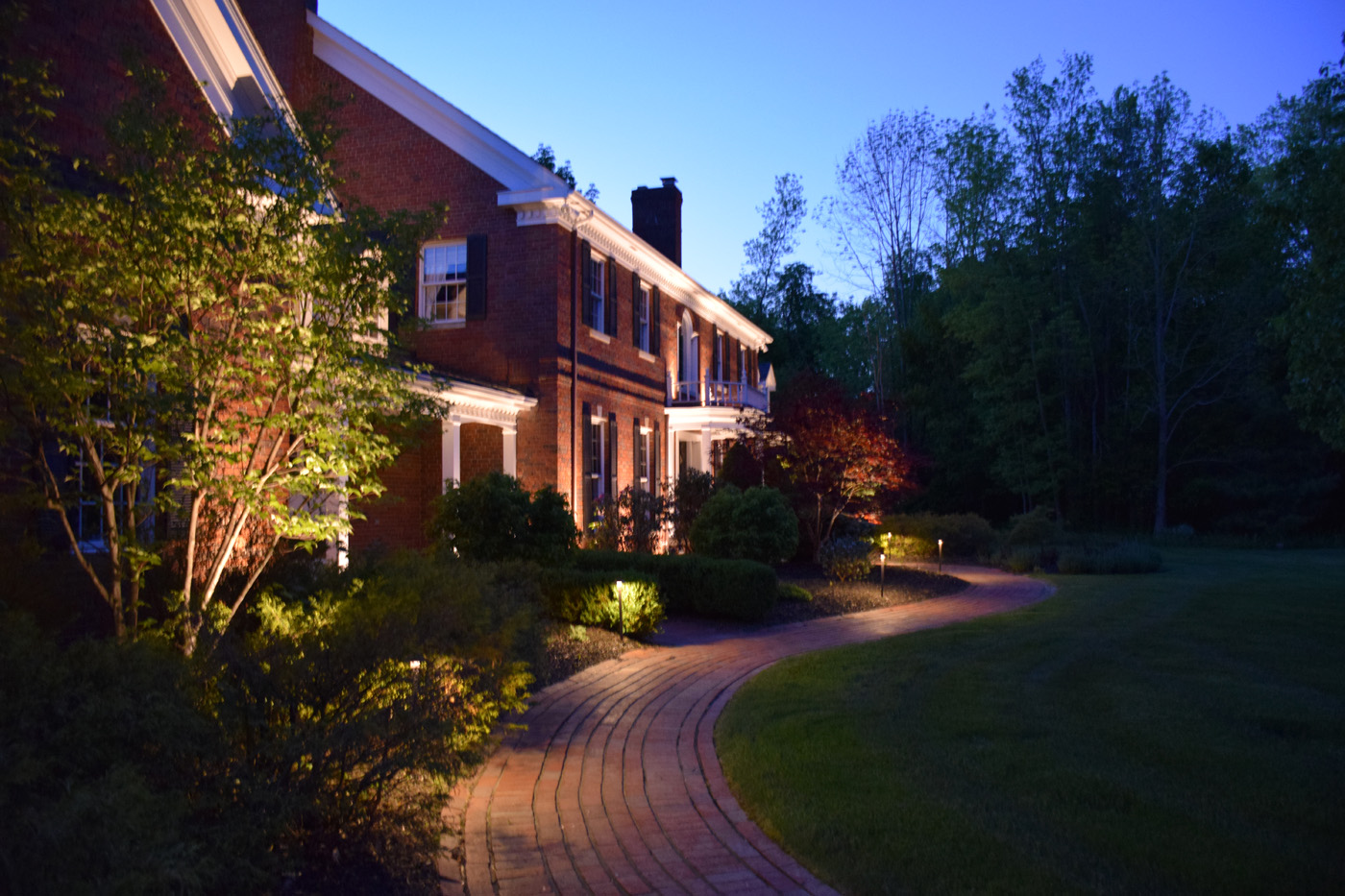 areas to highlight with landscape lighting