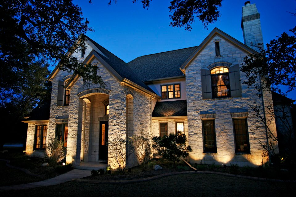 elegant outdoor lighting East Memphis TN