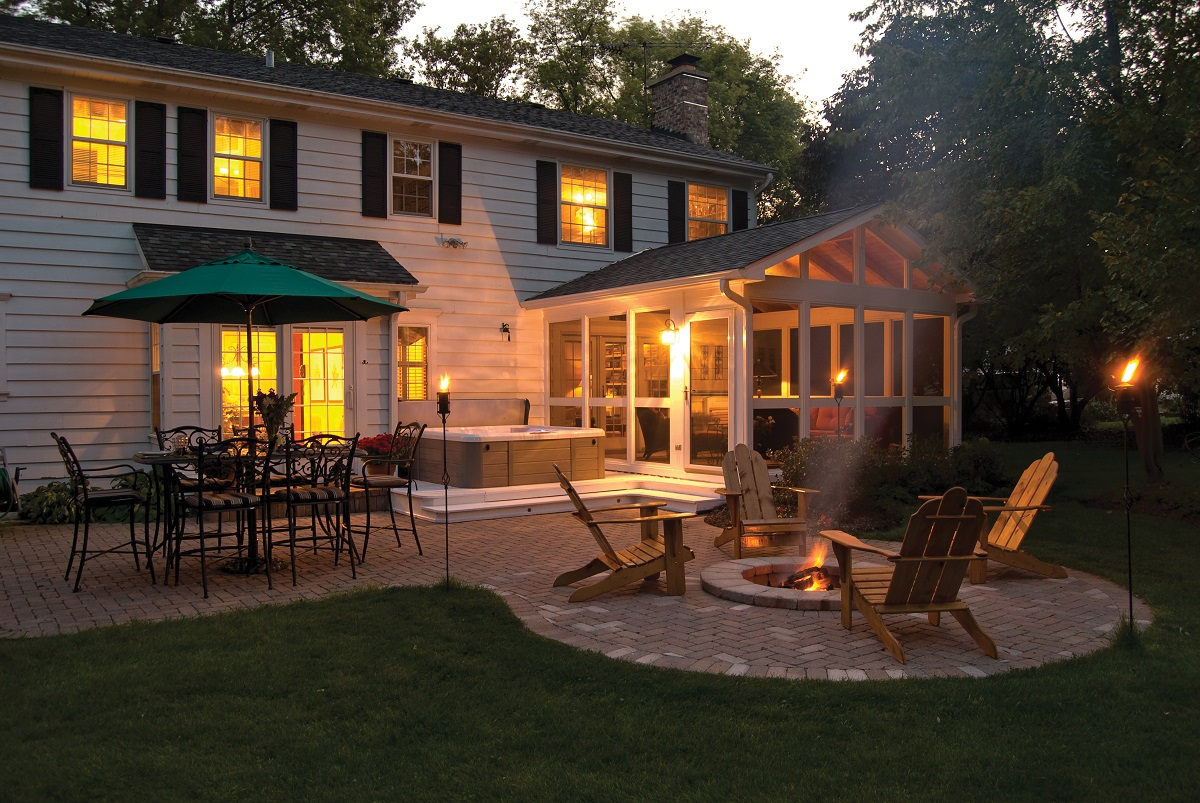 Screened-porch-patio-and-fire-pit-combination-outdoor-living-space