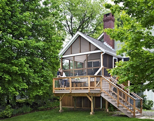 Screened-porch-and-deck-combination