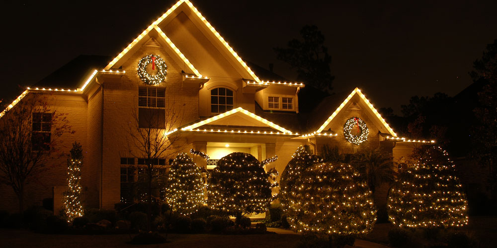 outdoor Christmas lighting installer in Columbus OH