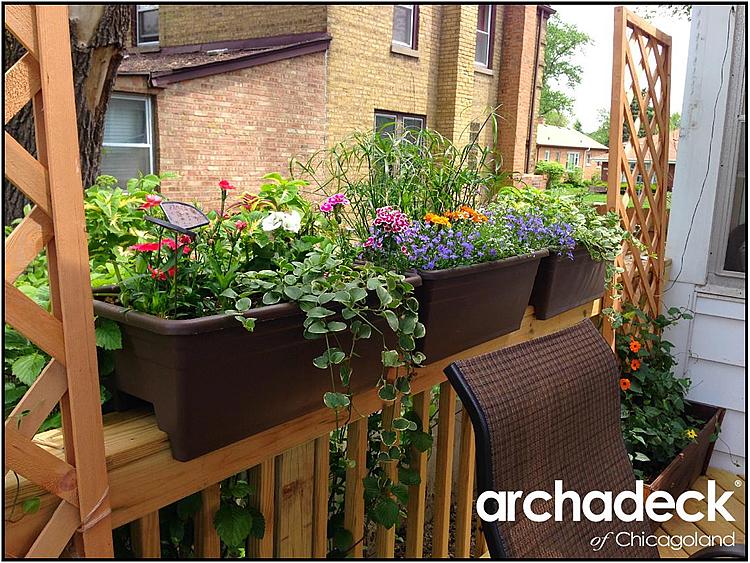 Deck flowerbox