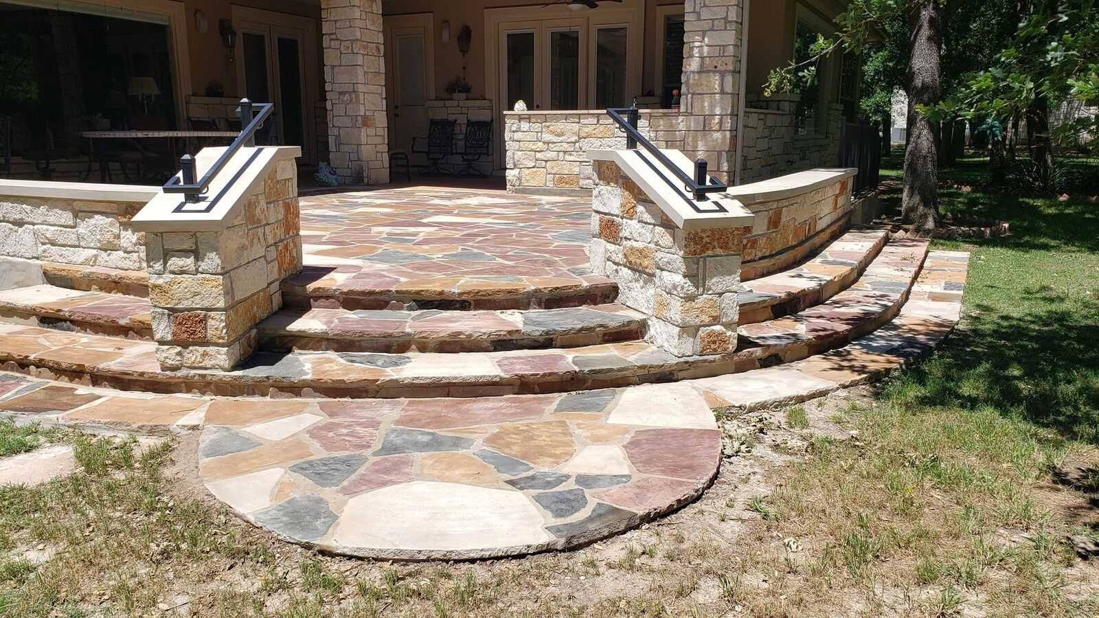 Beautiful-stone-patio-in-Georgetown-TX-by-Archadeck-of-Austin
