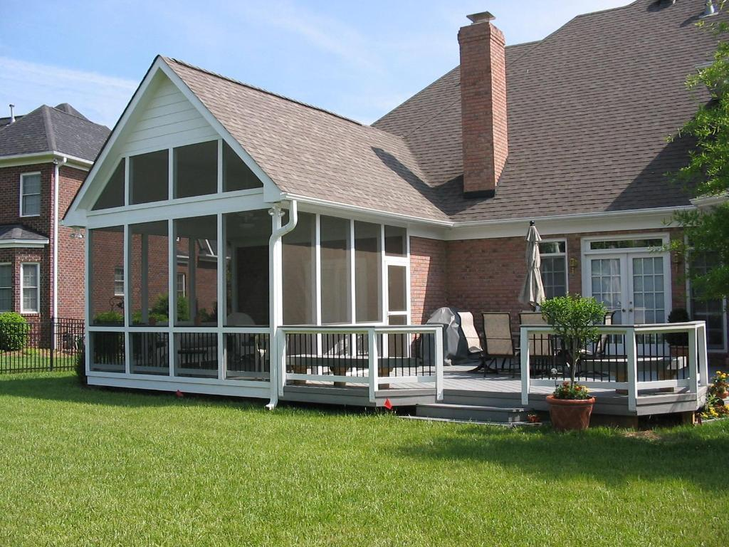 Harrisburg screened porch and deck