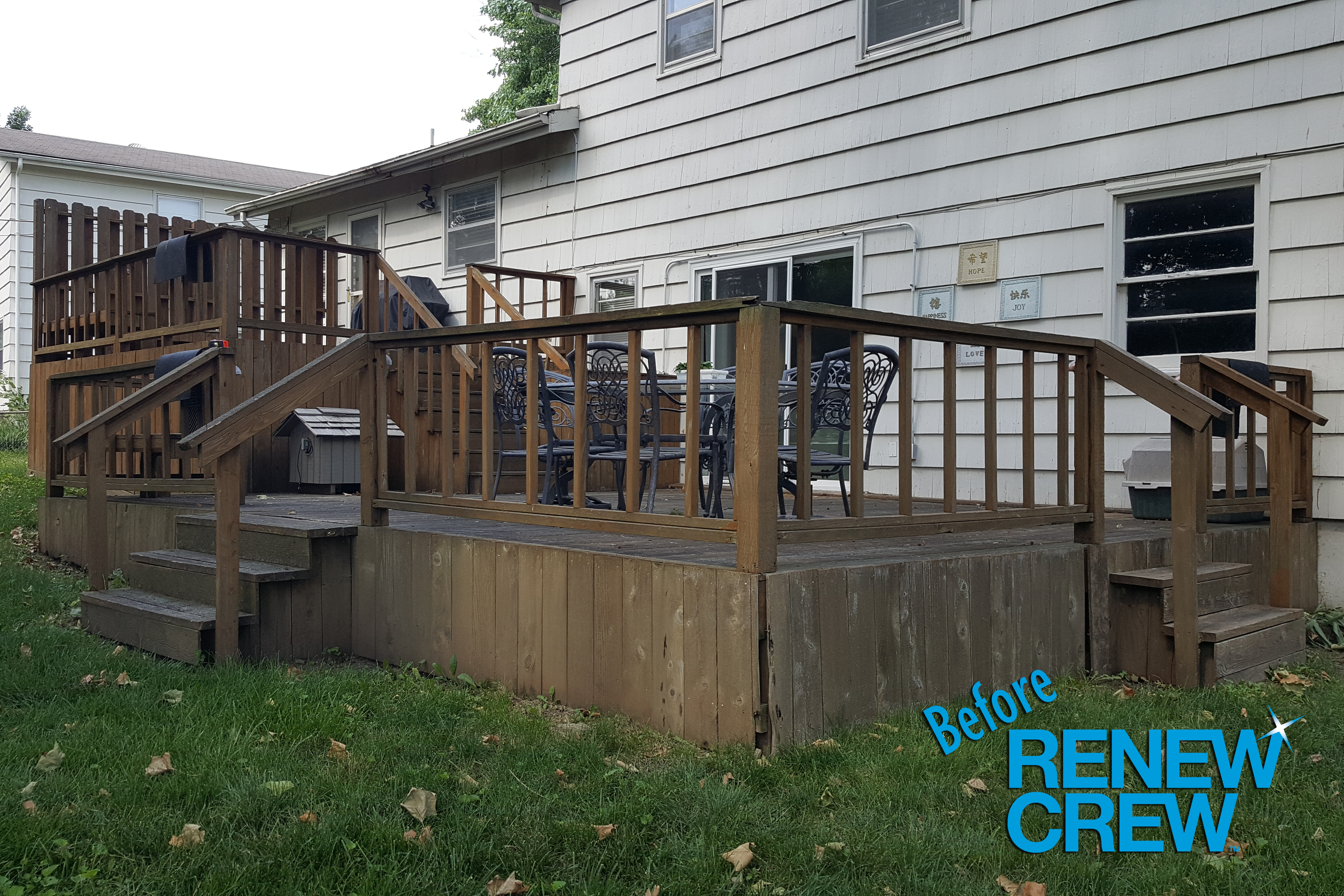 Before fence cleaning by Renew Crew of Katy & Sugar Land