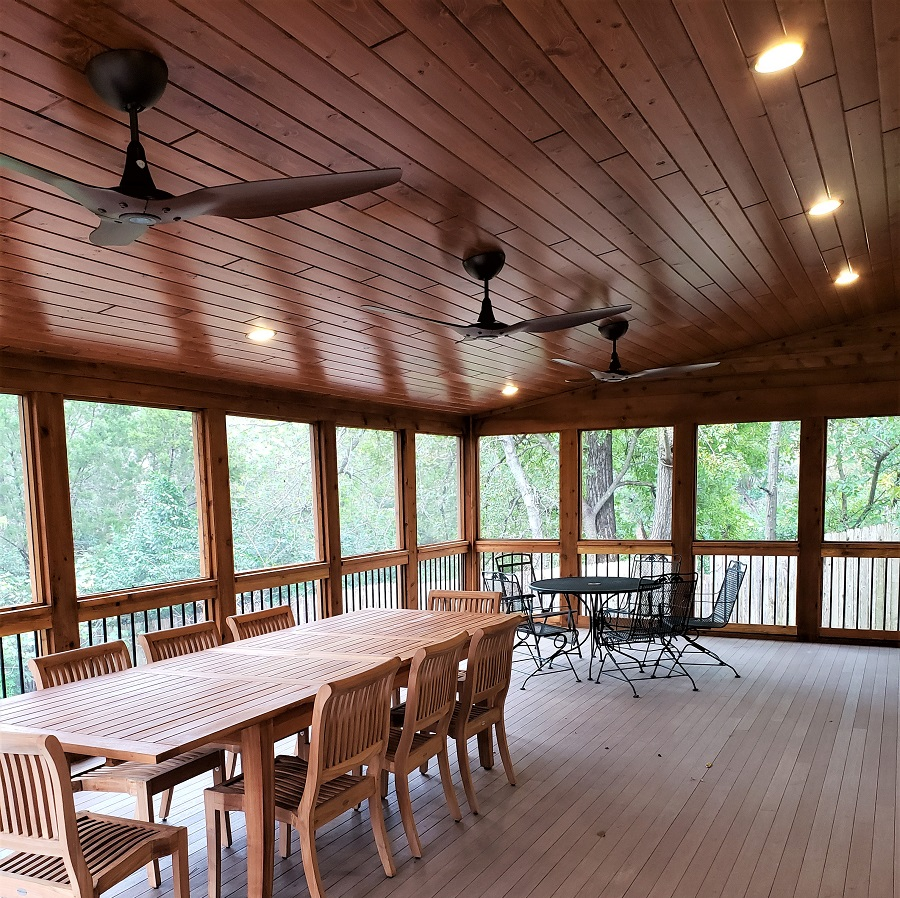 Interior-of-award-winning-screened-porch-design-in-Great-Hills