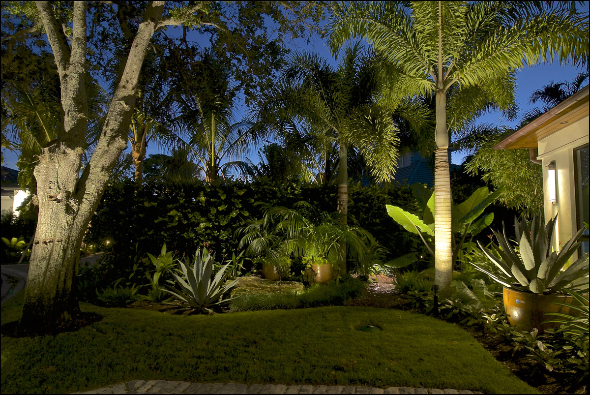 Award Winning Pelican Bay Landscape Lighting Design Accentuates The Rustic Contemporary Charm ...