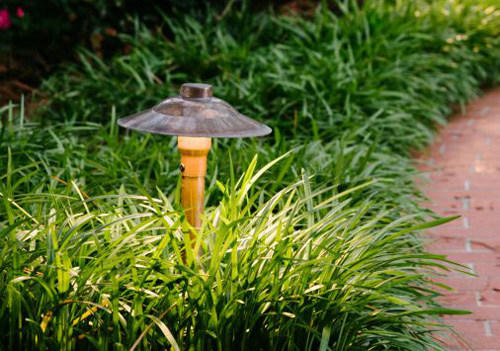 avoid these common landscape lighting mistakes