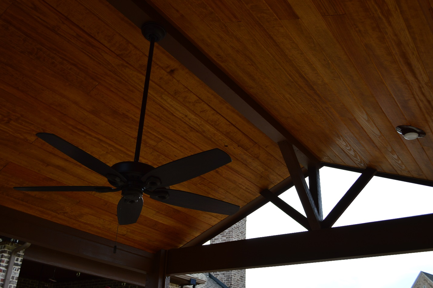 Pine-tongue-and-groove-ceiling