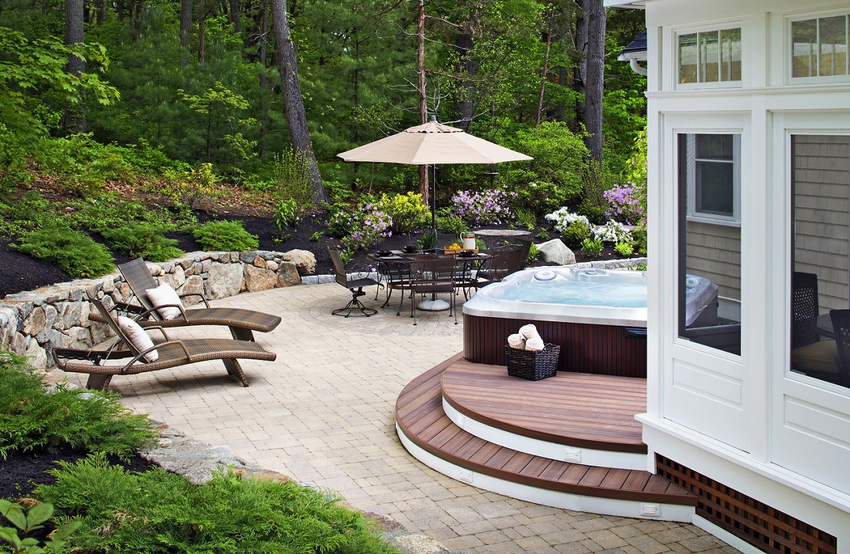 Relaxing-combination-outdoor-living-space