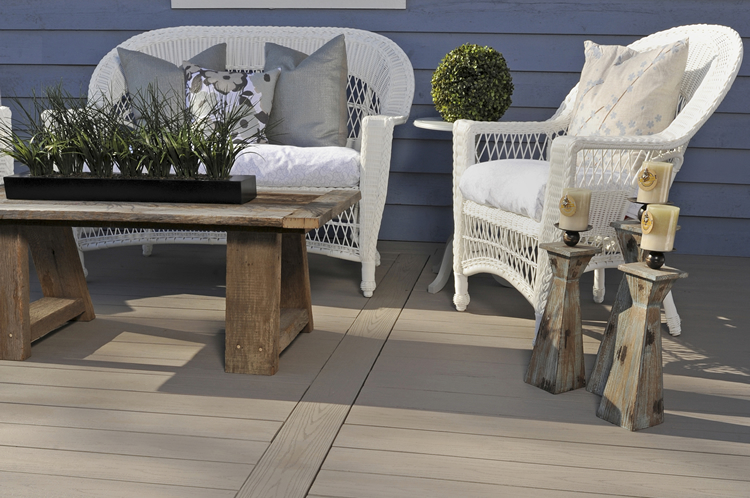 composite deck for weather resistance