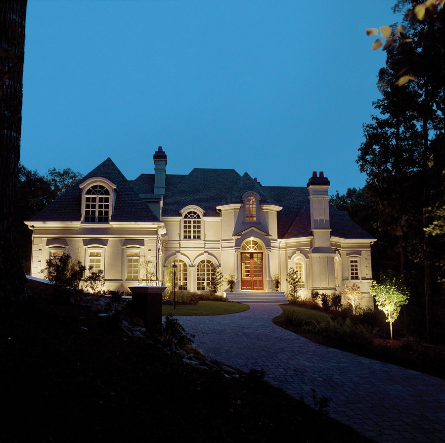 curb appeal lighting for homes