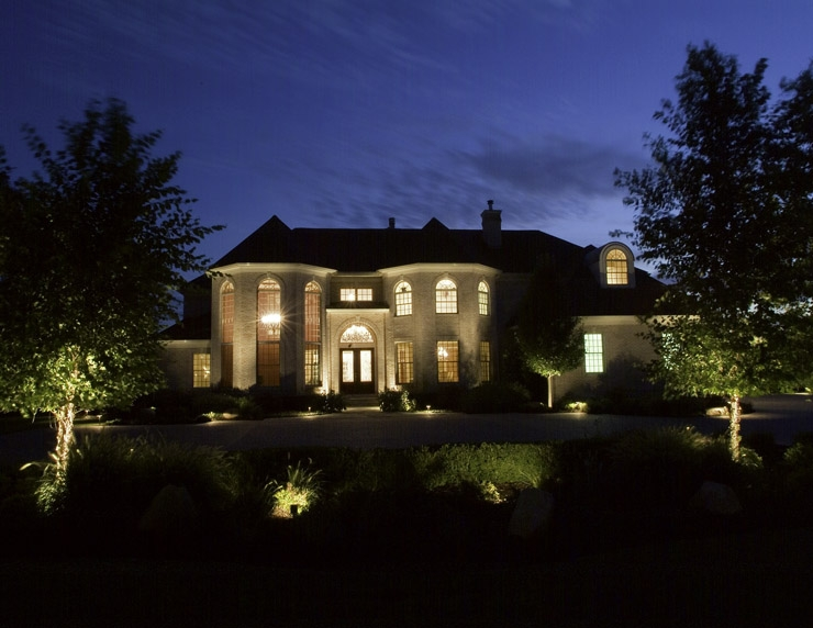 We know all the secrets to creating a beautiful outdoor lighting design and we can easily make your home as breathtaking to all who pass it at night as