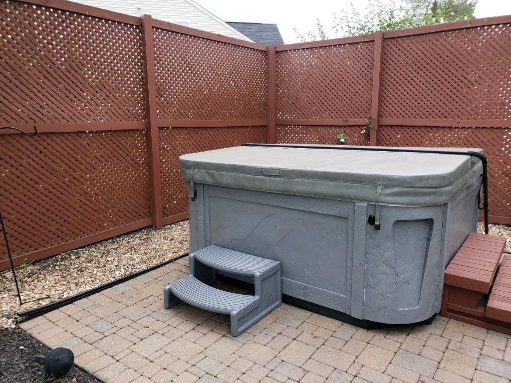 Hot-tub-area-before