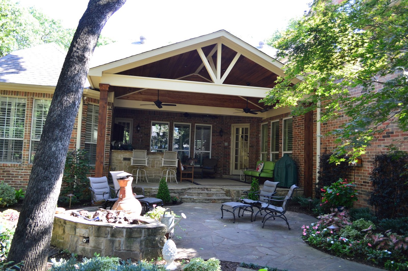 Southlake-patio-cover-adds-functionality-and-aesthetics