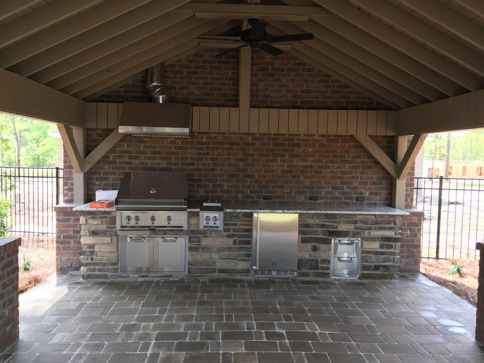 Sumter-SC-detached-covered-patio-with-outdoor-kitchen