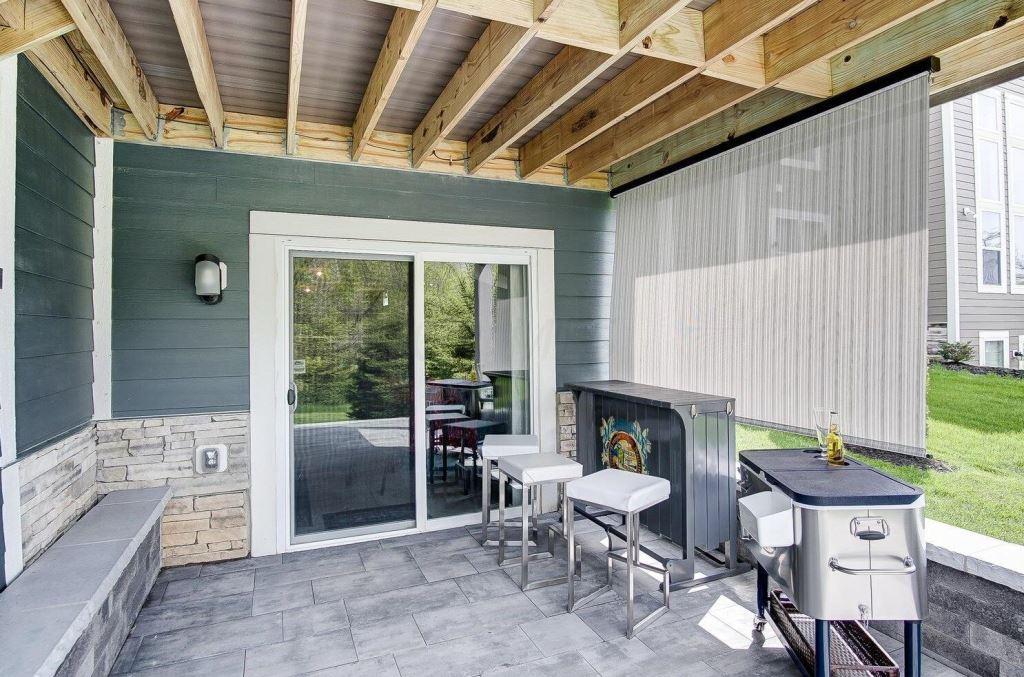 Under-deck-outdoor-living-space-benefits