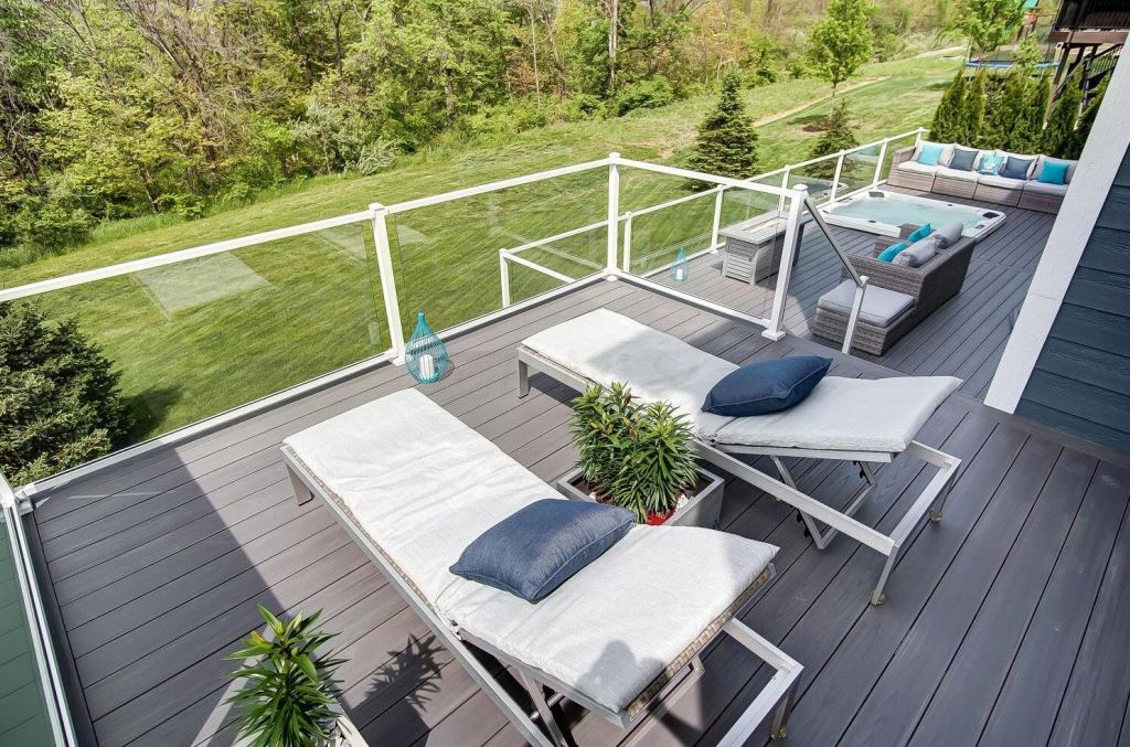 Imagine-the-views-from-this-sun-deck