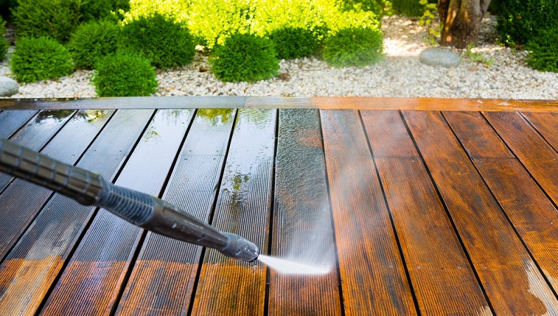 Wonderful Using A Chlorine Bleach Not Only Harms The Wood As Well As The Vegetation  Surrounding The Deck, But It Doesnu0027t Actually Clean Or Remove Any Stains.