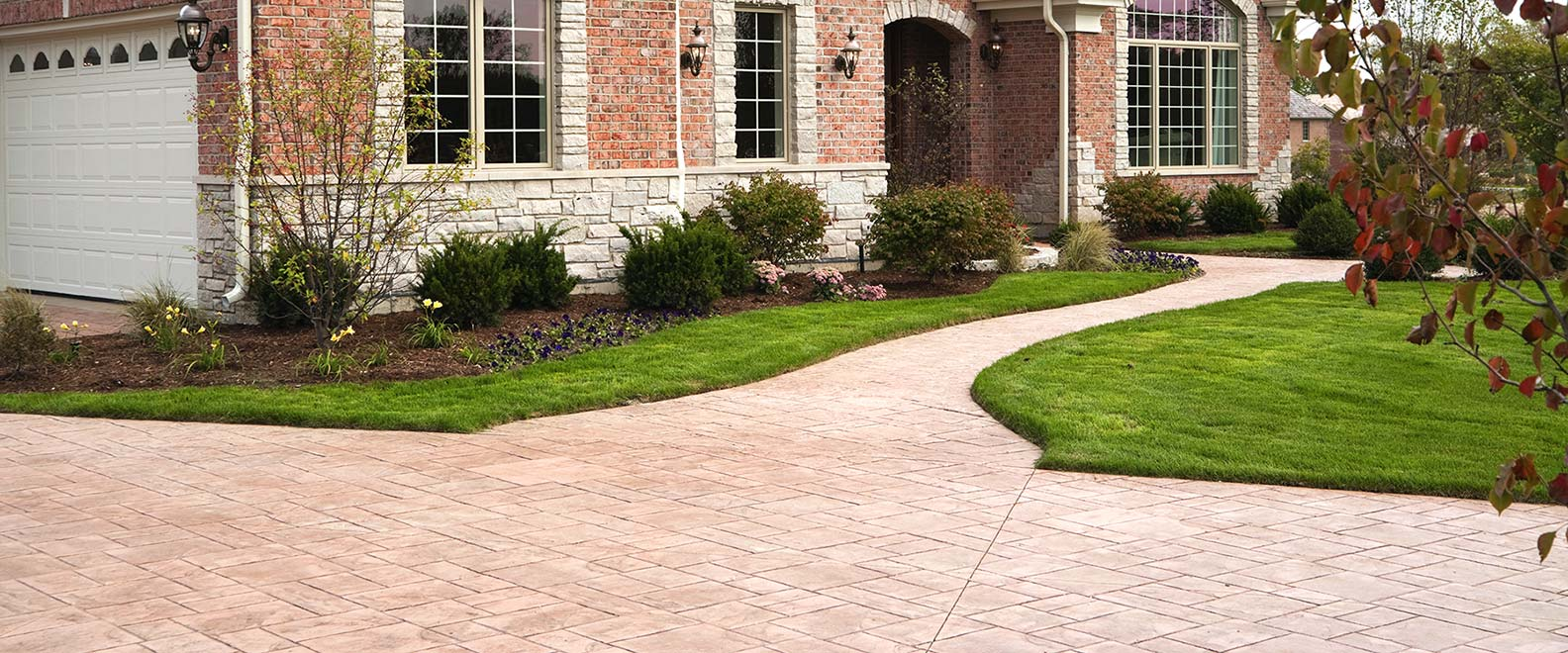Pressure Cleaning Driveway and Walkway