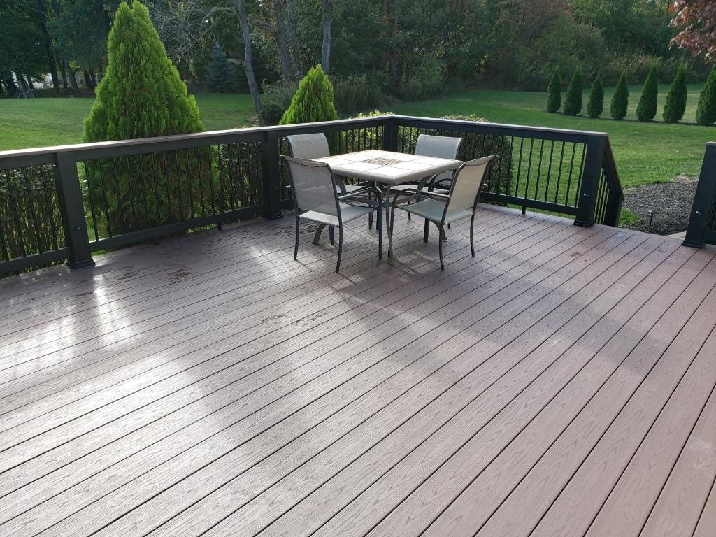 Timbertech-composite-deck-addition-by-Archadeck-of-Akron